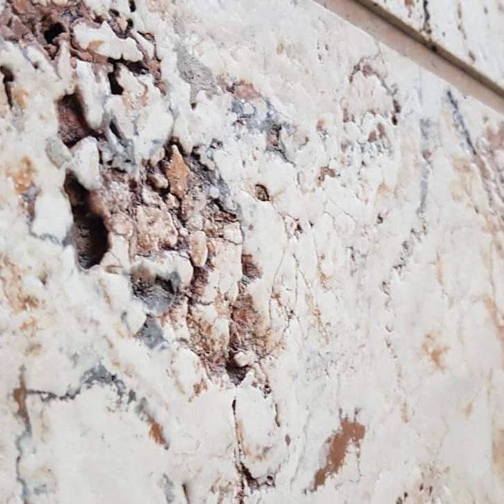تخلخل تراورتن در سنگ نما ساختمان