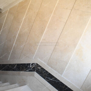 سنگ آباده بی موج به همراه گلدن بلک مشکی در را پله 4