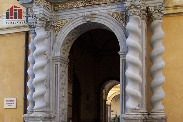 معماری ستون ها به سبک ستون های طنابی شکل