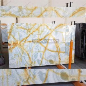 onyx slab with golden streaks