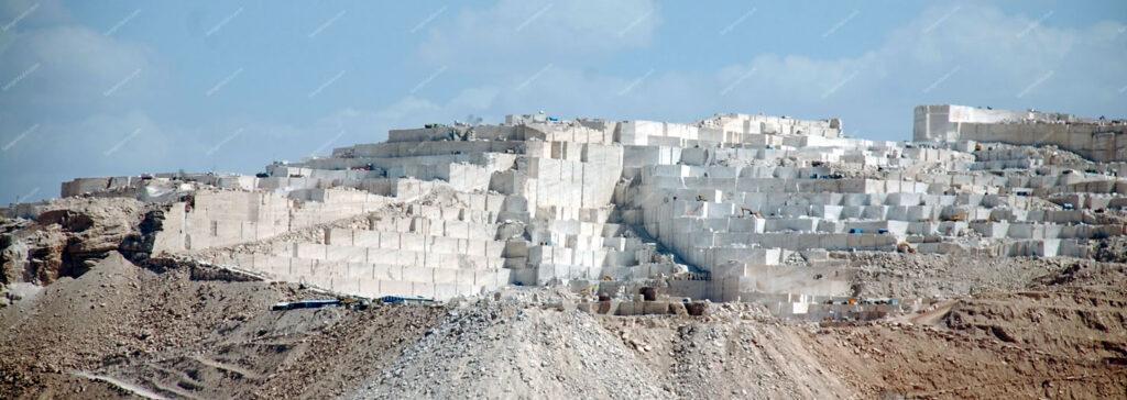 معدن سنگ تراورتن عباس آباد ایران