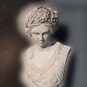 مجسمه سنگی زن