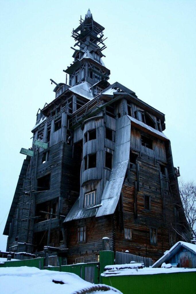 خانه چوبی گانگستر روسیه