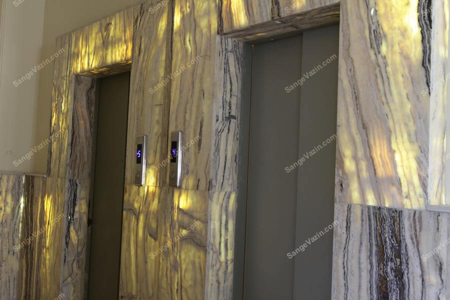 سنگ مرمر در قاب آسانسور