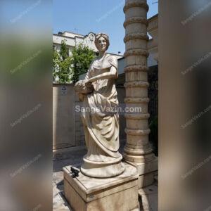 مجسمه فرشته سنگی